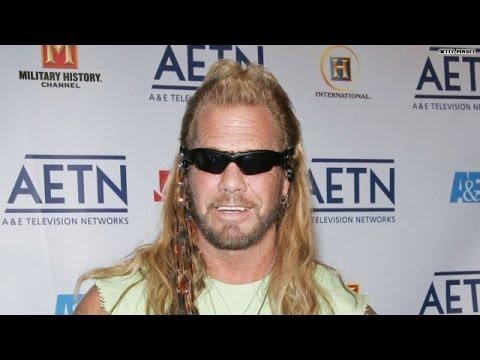 'Dog the Bounty Hunter' tracks wanted MMA star
