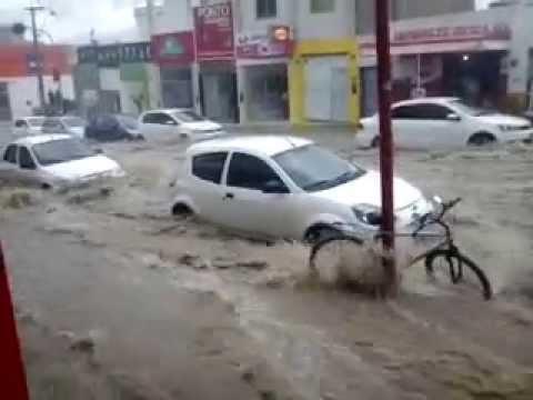 Chuva e enxurrada em Vitória da Conquista . 10/11/2014