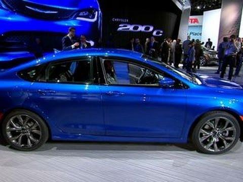 Car Tech - 2015 Chrysler 200 - YouTube