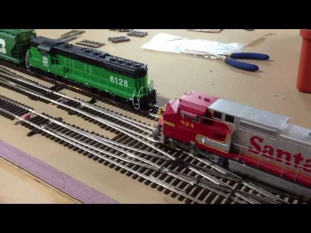 HO Scale BN SD9 Model Train Engine with Sound switching Denver yard