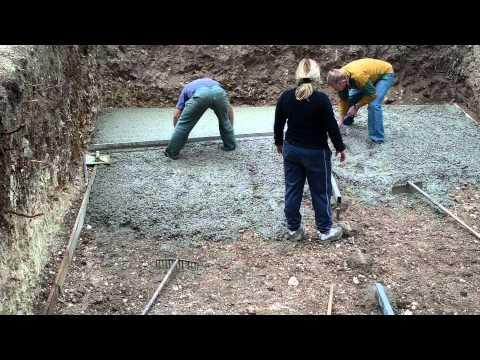 Construction dalle de b ton coulage du b ton fibr for Radier piscine beton