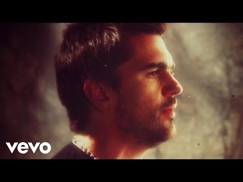 Music video by Juanes performing Yerbatero. (C) 2010 Universal Music Latino.