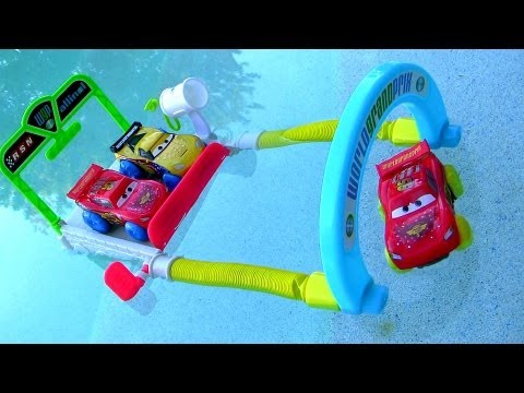 Disney Cars Hydro Wheels Splash Speedway Track
