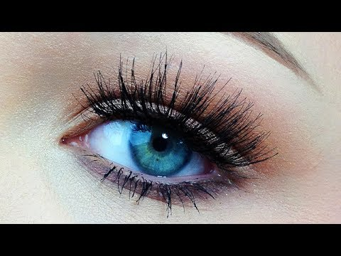 The Easiest Way to Apply False Lashes!