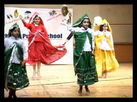 Mera Nau Dandi Ka Bijna - Haryanvi Dance Performance At South End Public School video