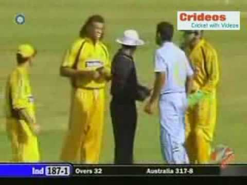 Symonds Sledges With Irfan Pathan 6th Odi video