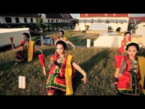 Tari Kipas Pakarena   Tari Tradisional Sulawesi Selatan video