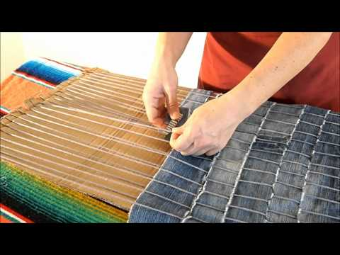 DIY How to make a carpet recycling old jeans - Manualidades: Alfombra reciclada de vaqueros viejos