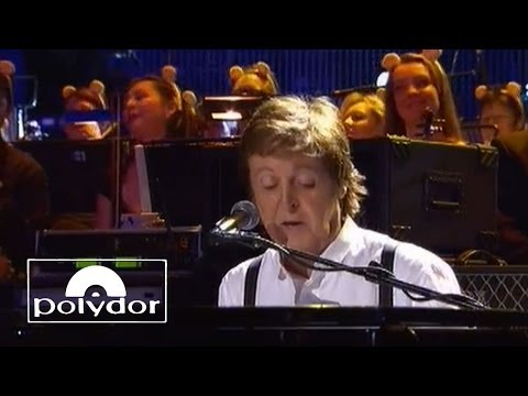 Paul McCartney performing 'Hey Jude' at Children In Need