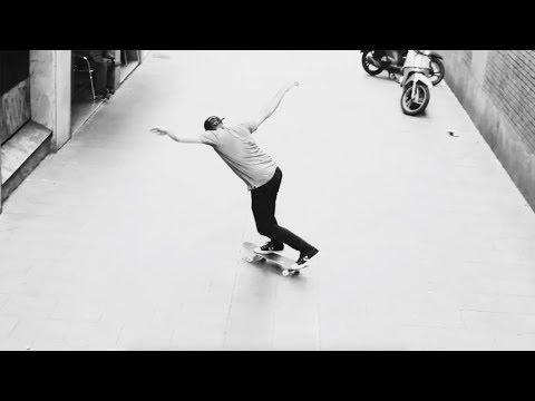 Black & White Days | skatedeluxe Ambassador Florian Hachenberger
