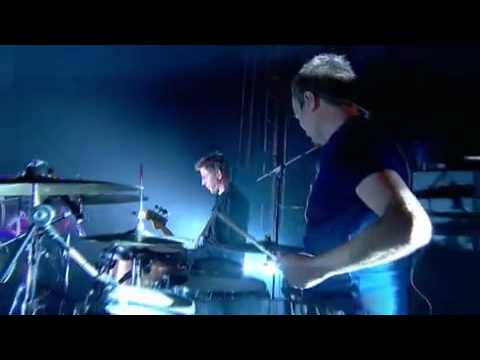 Groove Armada - Look Me in the Eye Sister (Live from Glastonbury)