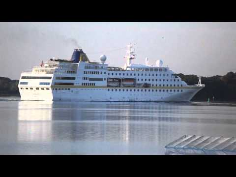 Cruise ship Hamburg, Travelling Up St. Lawrence River, Sept 25, 2014