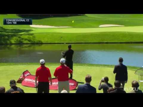 Tiger Woods manda tres bolas al agua en la presentación del Quicken Loans