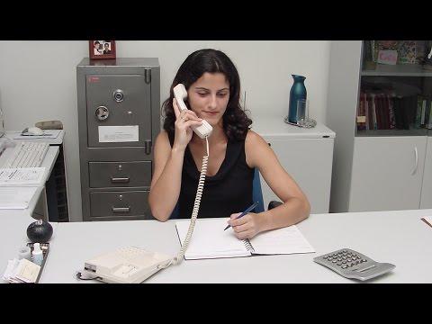 Clique e veja o vídeo Curso Treinamento de Secretária