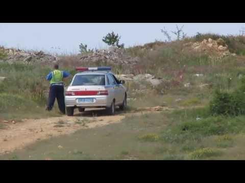 Погоня ГАИ за скутеристом по крымским скалам