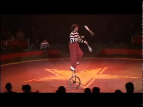 rulo el payaso en Monociclo circo atayde