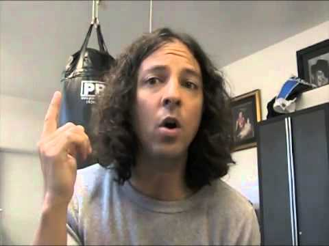 Singing Lessons Part 1 How to sing like Chris Cornell klip izle