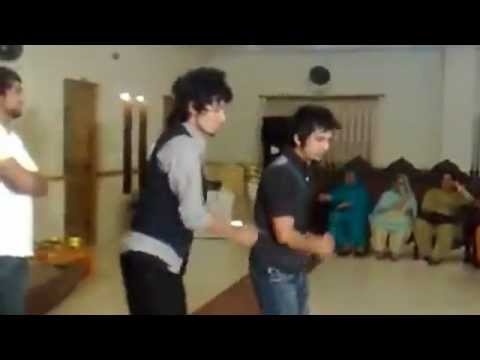 Best Mehndi Dance on Imran Khan - Aaja We Mahiya by Mohsin Jutt...