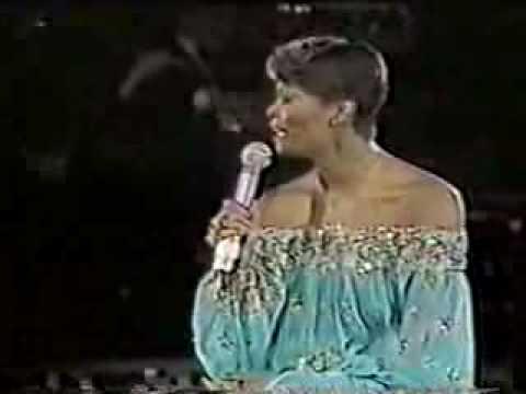 Dionne Warwick - No Night So Long Monte Carlo Show 1980