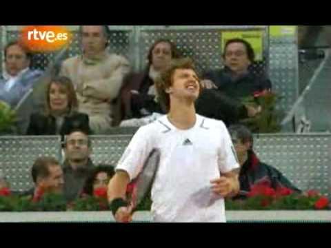 Momentos Federer-Gulbis en Madrid 2010
