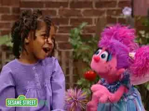 Sesame Street: Kayla & Abby Cadabby Sing The Alphabet Video