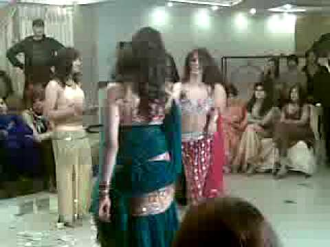 Islamabad Girls Mujra Party Dance In A .homeflv video