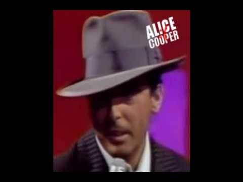 Alice Cooper - Laughing At Me