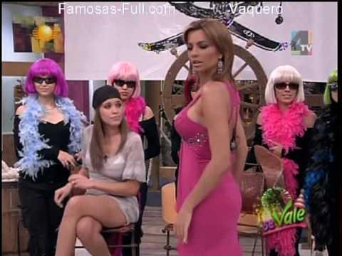 Yuliana Peniche y Cecy Galeano Mostrando Calzones