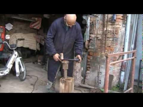 Costruzione di un tornio per legno economico youtube for Costruire un tornio per legno