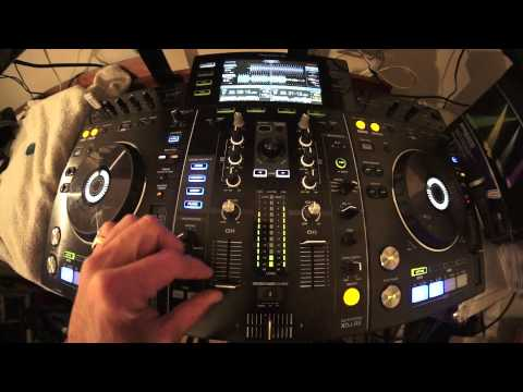 INTERMEDIATE DJ LESSON GETTING THE PERFECT MIX AND ADDING EFFECTS