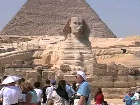 Séta az egyiptomi piramisok között