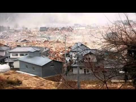 Japan's Tsunami Caught On Camera 2/4; Subtítulos