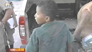 Menino de 12 anos preso por assalto a mao armada (o bicho é bravo)