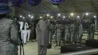 Ron Kenoly, Praising God in the Nigerian way