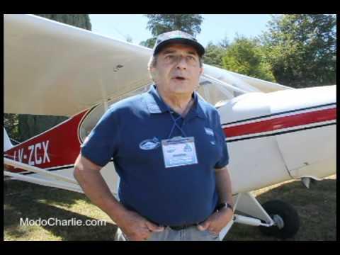 Homenaje y Piper PA-11 LV-ZCX en Festival Aéreo Villarrica 2012
