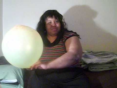 BBW Balloon Diva with Yellow and Red Fireworks Balloon