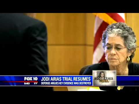 "Expert in ""Kinky Sex Relationships"" Testifies About Jodi Arias' & Travis Alexander's Past"