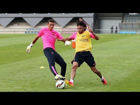 Neymar's first training session 11/08/2014