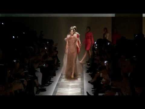 Valentino Spring 2011 Fashion Show (full)
