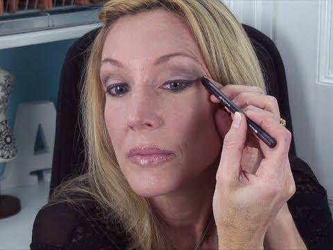 How To Wear Colored Eyeshadow Over 50 U0026 Make Hooded Eyes Pop - YouTube