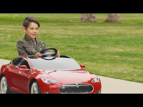 Tesla really went all in with this kids version of the Model S