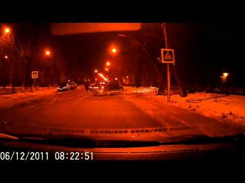 Таксист исполнил на пешеходном переходе