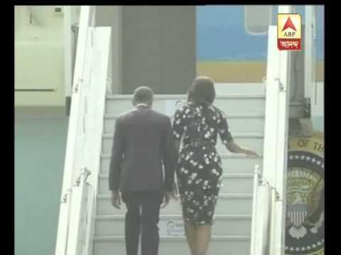 Barak Obama leaves India