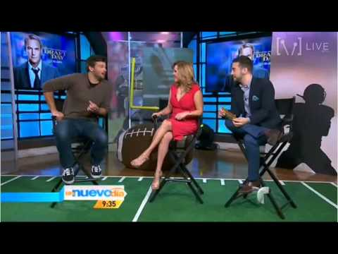 "Tom Welling on ""Un Nuevo Día"" to promote ""Draft Day"", Miami (March 25, 2014) [Full Interview]"