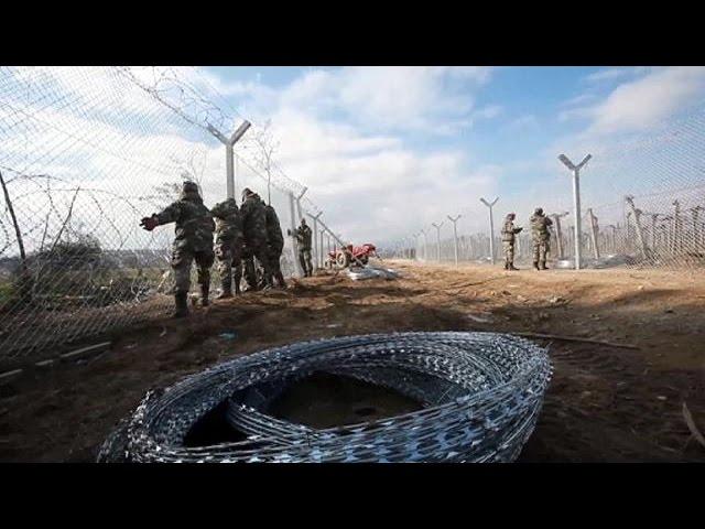 Double rideau pour les migrants en Macédoine