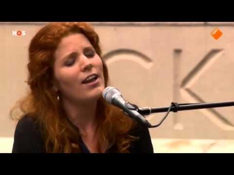 Renee van Bavel - Wat neem je mee als je niet weet waar je heen gaat?
