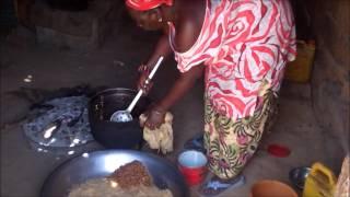 Las mujeres de Senegal nos enseñan a preparar un ceebu jen
