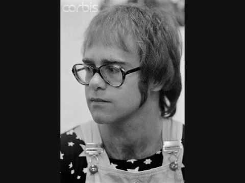 Elton John - Ain