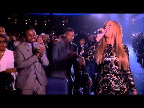 Jamie Foxx checks out Beyonce
