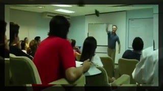 بالفيديو: أستاذ يعاقب طالب تحرش بزميلته داخل الفصل